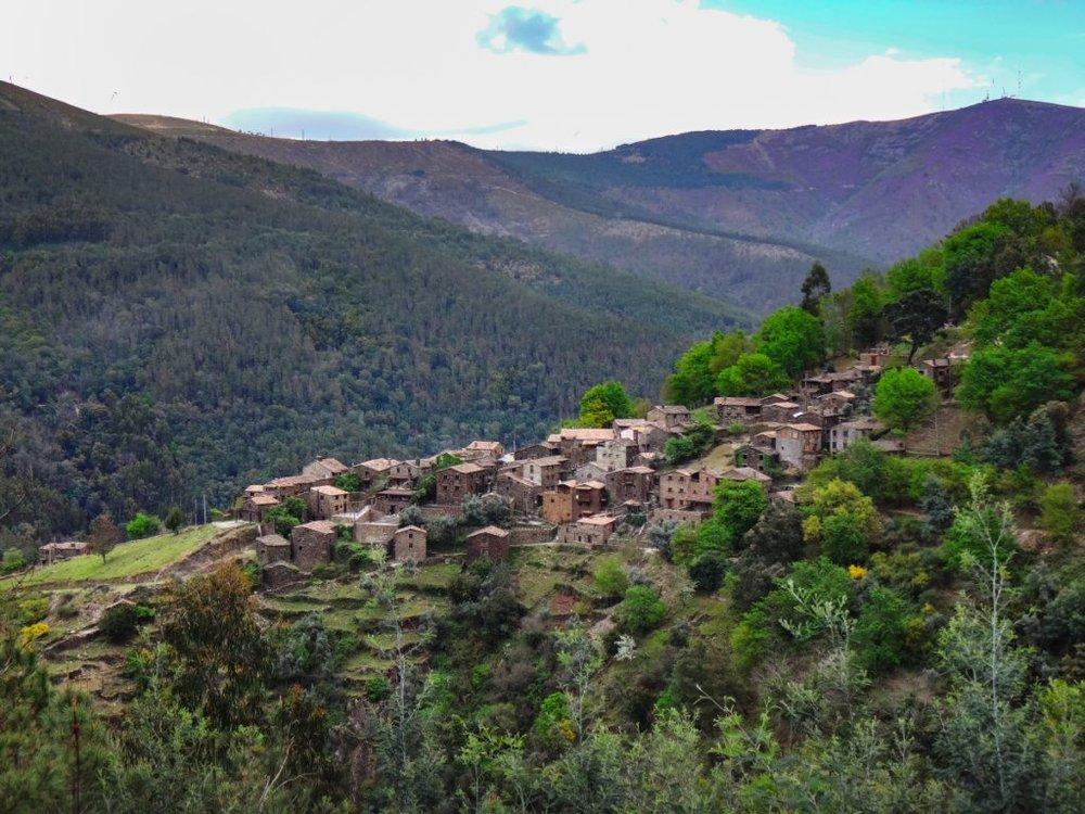 Vista para a aldeia da Talasnal