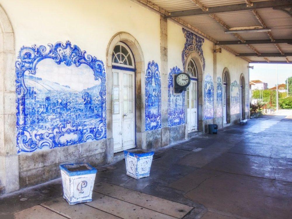 painel de azulejos da estação do Bombaral
