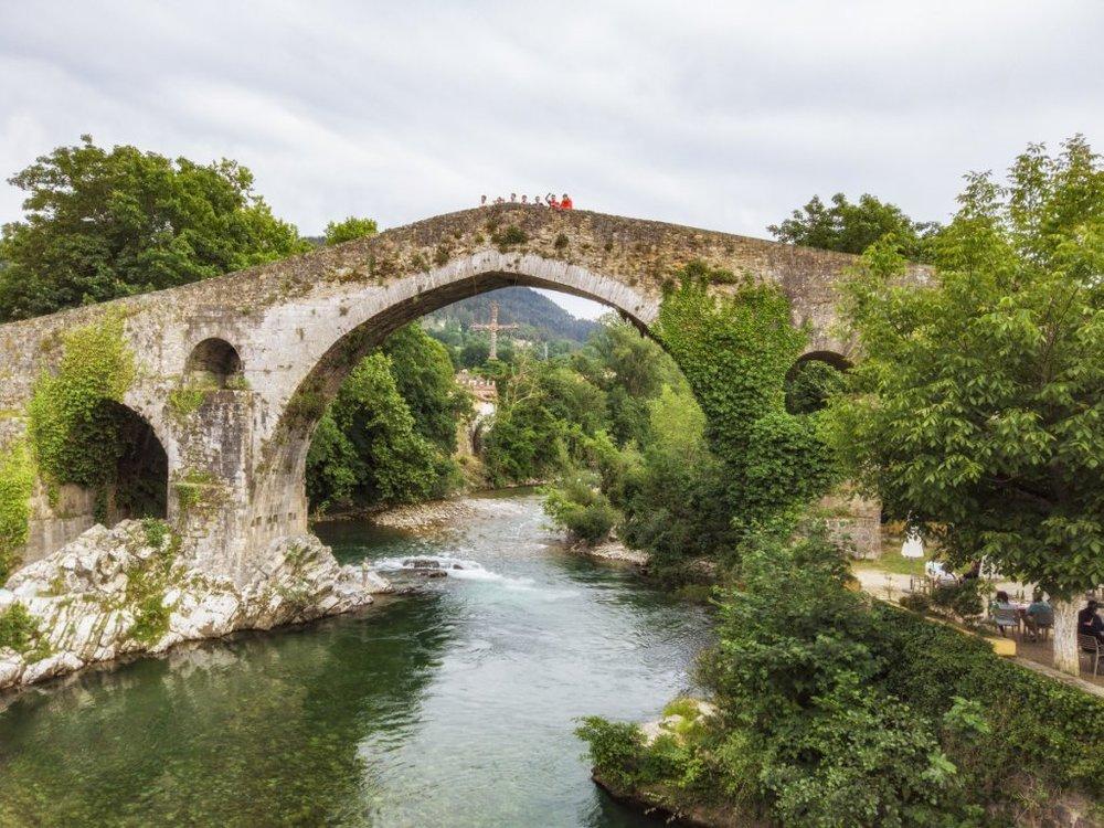 ponte romanda na vila de Cangas de Onís