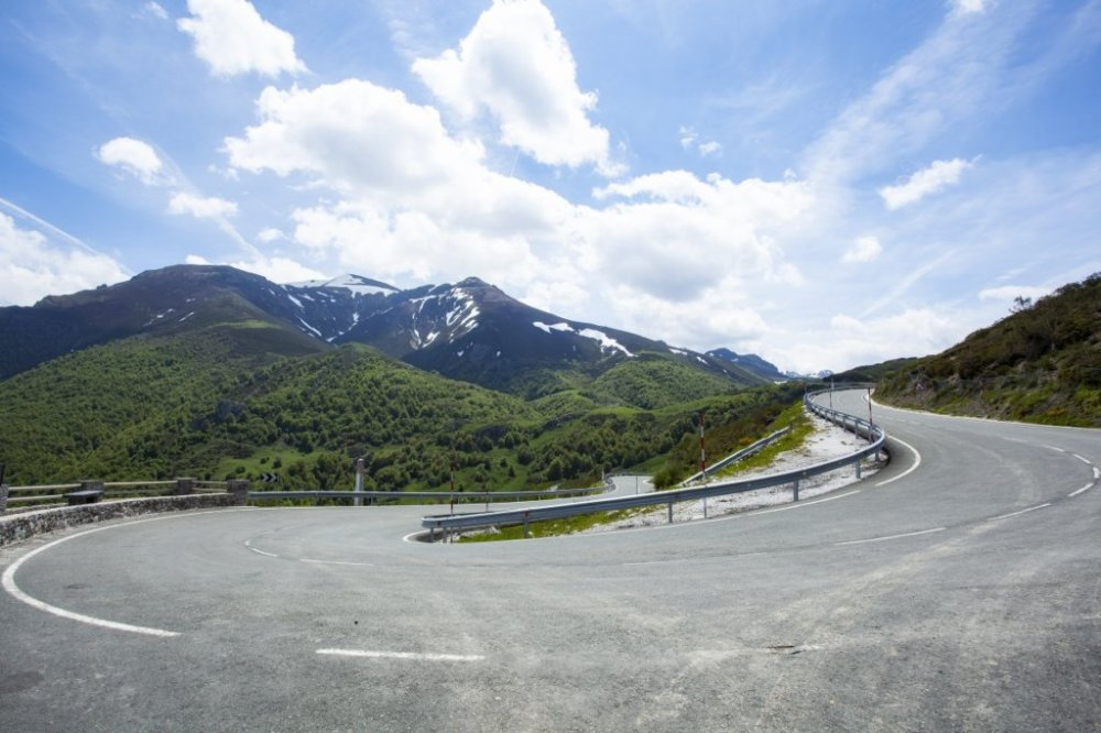 estrada no miradouro de El Corzo