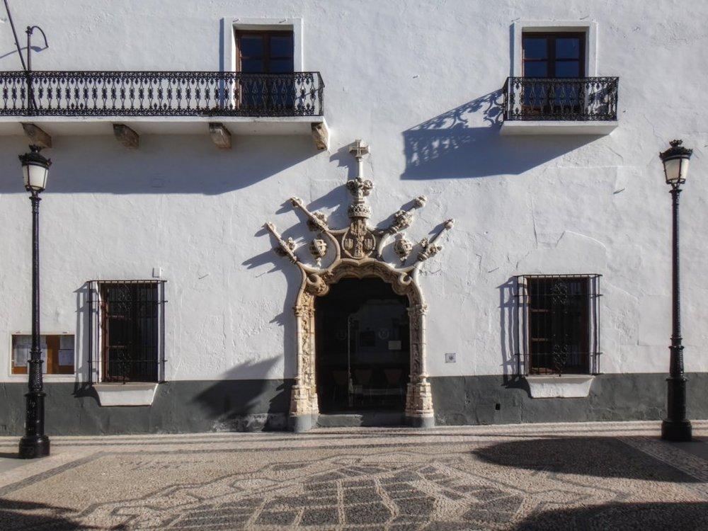 portal Manuelino no palácio dos Duques do Cadaval em Olivença