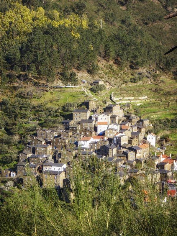 Vista para a aldeia do Piódão